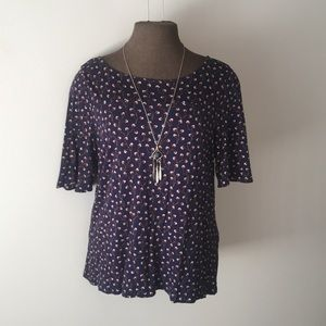 Old Navy Tops - Adorable floral blouse